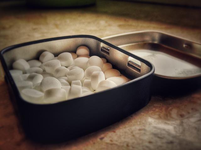 the-pill-1136271_640