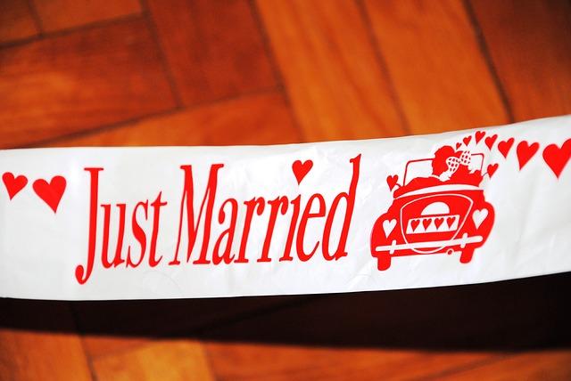wedding-1579146_640
