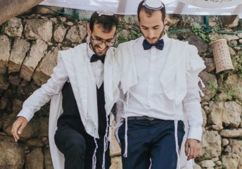 משה וערן ארגמן ביום חתונתם (צילום לבנה צילומים)2