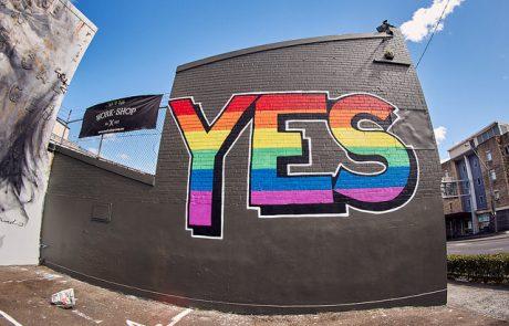 """האם תושבי אוסטרליה יגידו """"כן"""" לנישואים גאים?"""