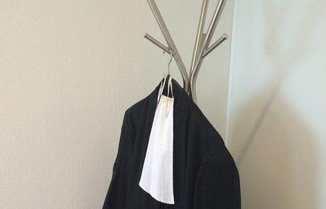 """האם לעו""""ד טרנסג'נדרית מותר להופיע עם בגדי נשים בבית המשפט?"""