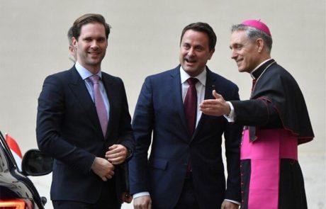 האפיפיור מארח את ראש המדינה ההומו היחיד בעולם ואת בן זוגו