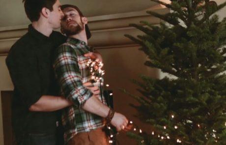 הגרסה הגברית והגאה לשיר חג המולד הוותיק