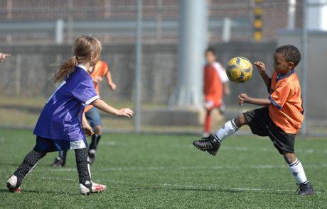 """רבע מבני הנוער הלהט""""בים נמנעים מפעילות ספורטיבית קבוצתית מחשש לאלימות"""